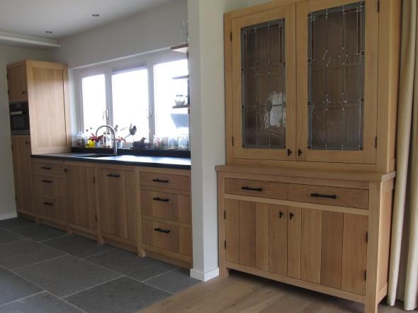 Voorbeeldkeukens keukenmakerij houtengoed - Eigentijdse houten keuken ...