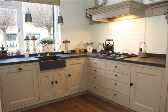 Oud hollandse keuken eiken keukenmakerij houtengoed - Keuken oud land ...