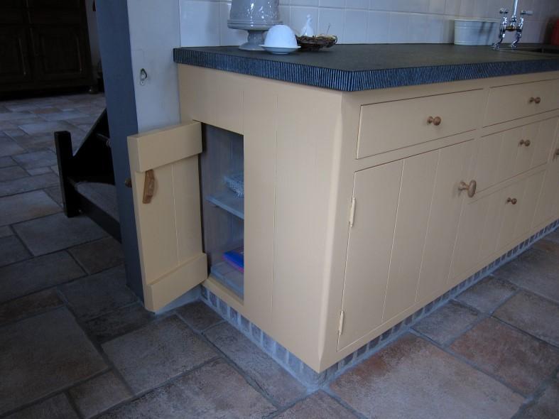 Houten keuken op maat meubelmakerij houtengoed - Eigentijdse houten keuken ...